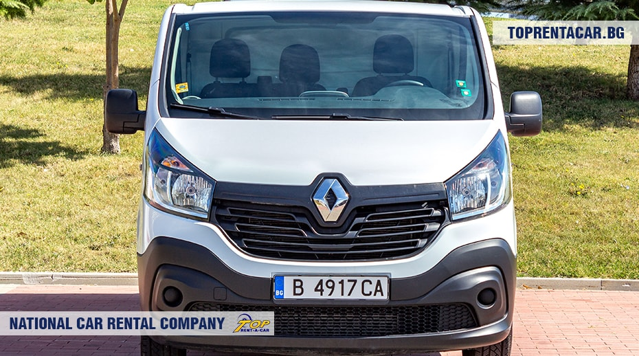 Renault Trafic - front view