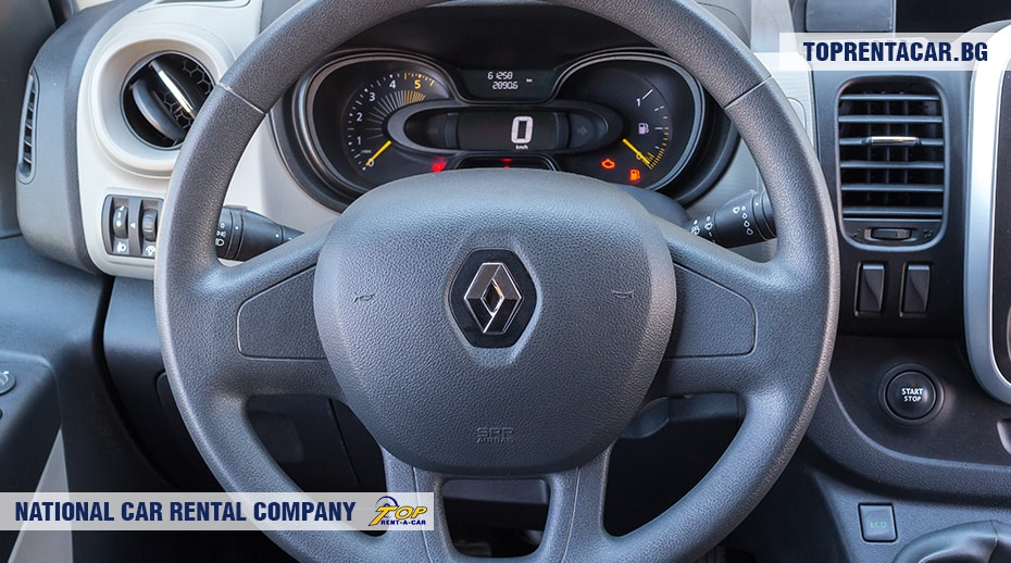 Renault Trafic - inside view 5