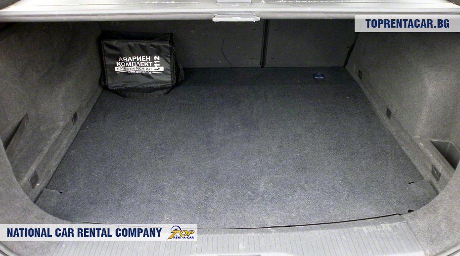 Opel Astra Estate - trunk view